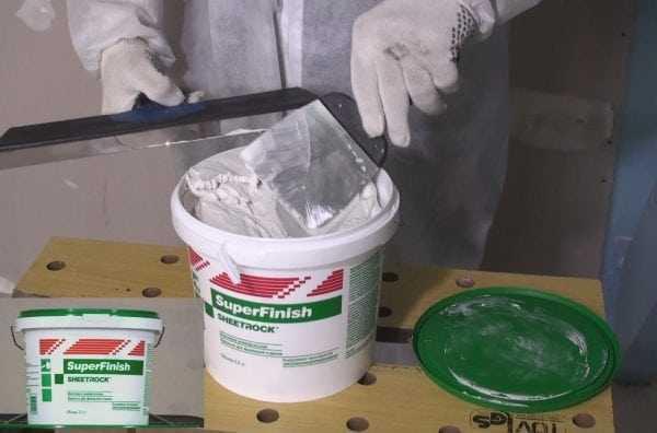 Шпаклевка Sheetrock продается в готовом к применению виде