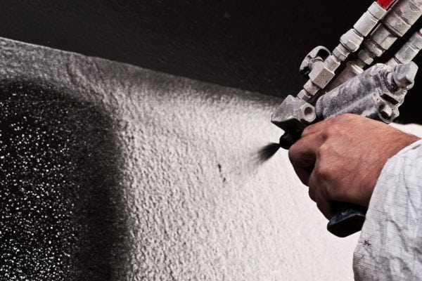 Нанесение КО-811 методом пневмораспыления