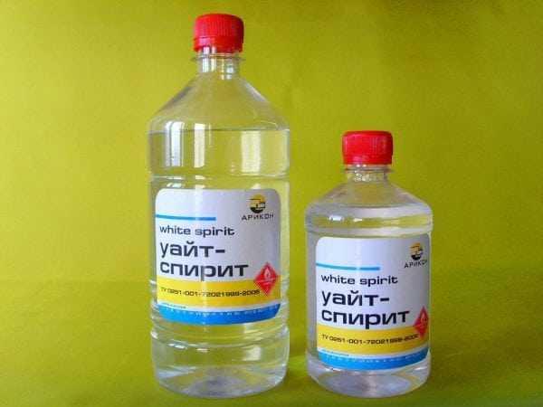 Для очистки следов от силиконового герметика можно использовать уайт-спирит