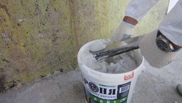 Смесь для оштукатуривания стен