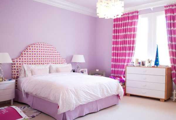 Комбинация с розовым подойдет для спальни девочки