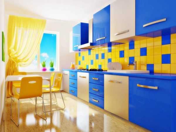 Кухня в синем и желтом цветах