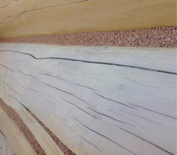 Средство может применяться для заделки больших швов и маленьких трещин