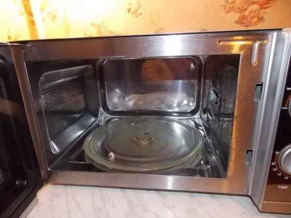 СВЧ-печь с камерой из нержавеющей стали