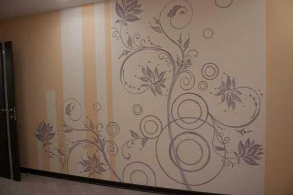Трафаретный декор оформления стен