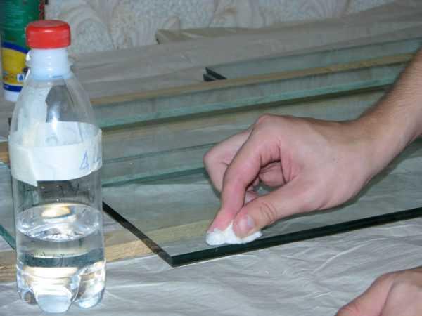 Удаление следов герметика со стекла