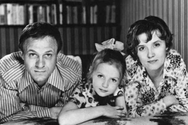 Юлия с родителями Владимиром Меньшовым и Верой Алентовой