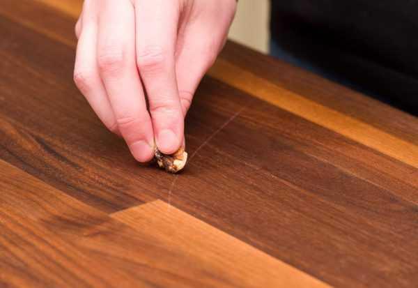 Замазывание царапин кремом для обуви