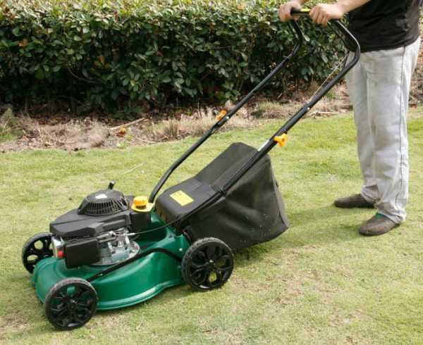 Защита газонокосилки от налипания травы