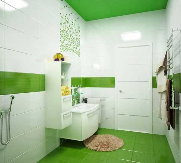 Зеленый пол в ванной